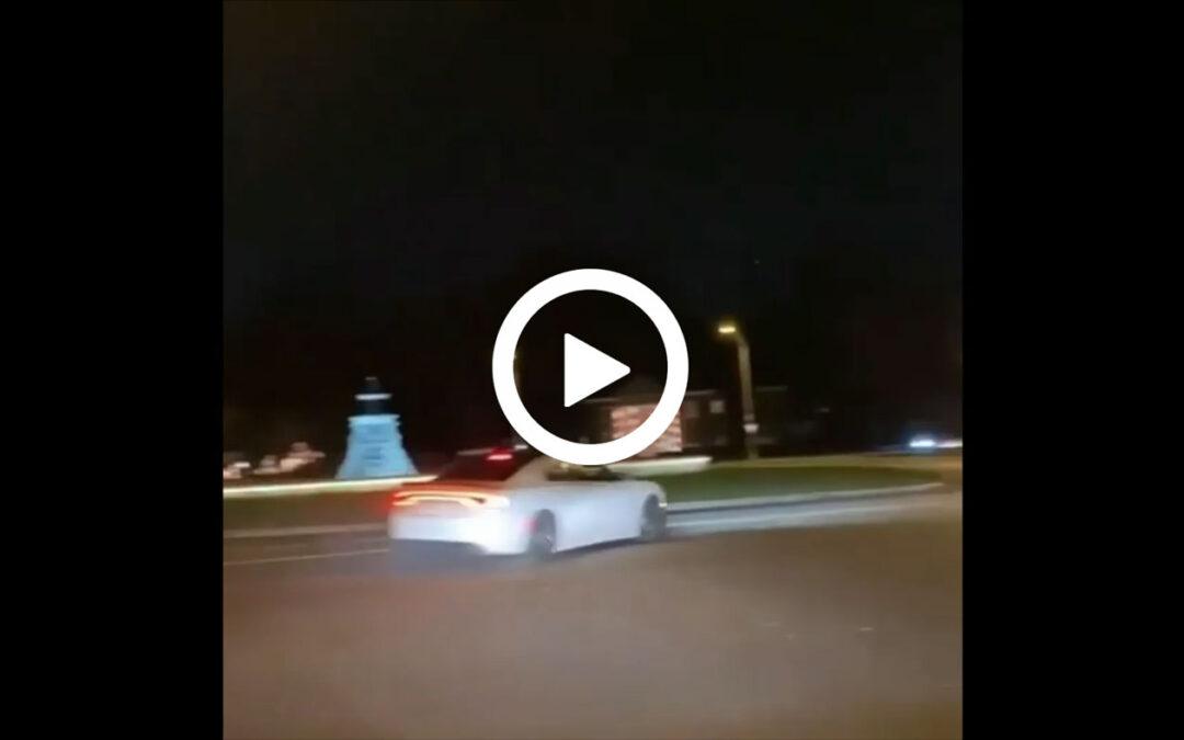 Video – Driftactie met Dodge gaat niet zoals gepland