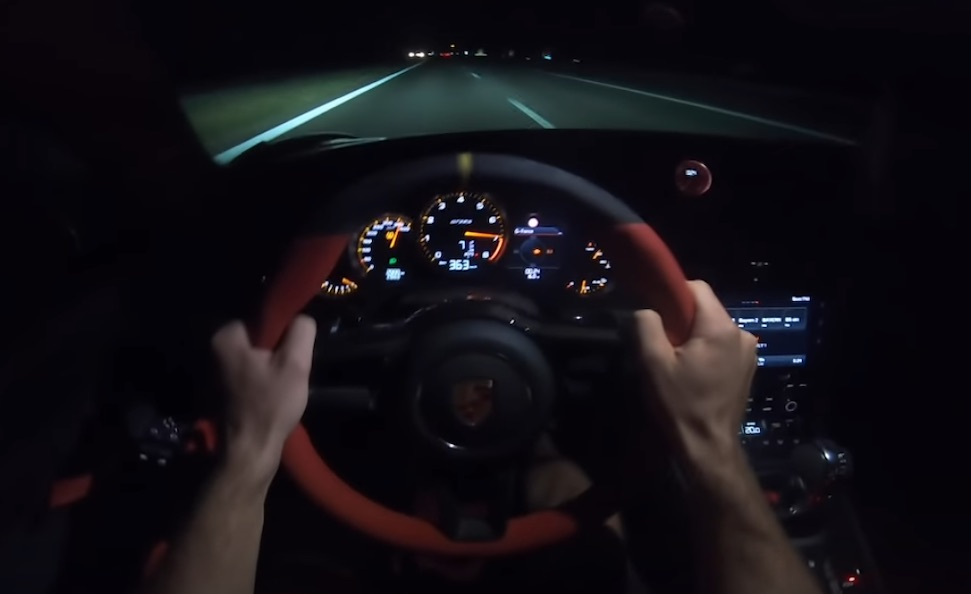 Video: Instagrammer tikt 363 km/u aan in GT2 RS