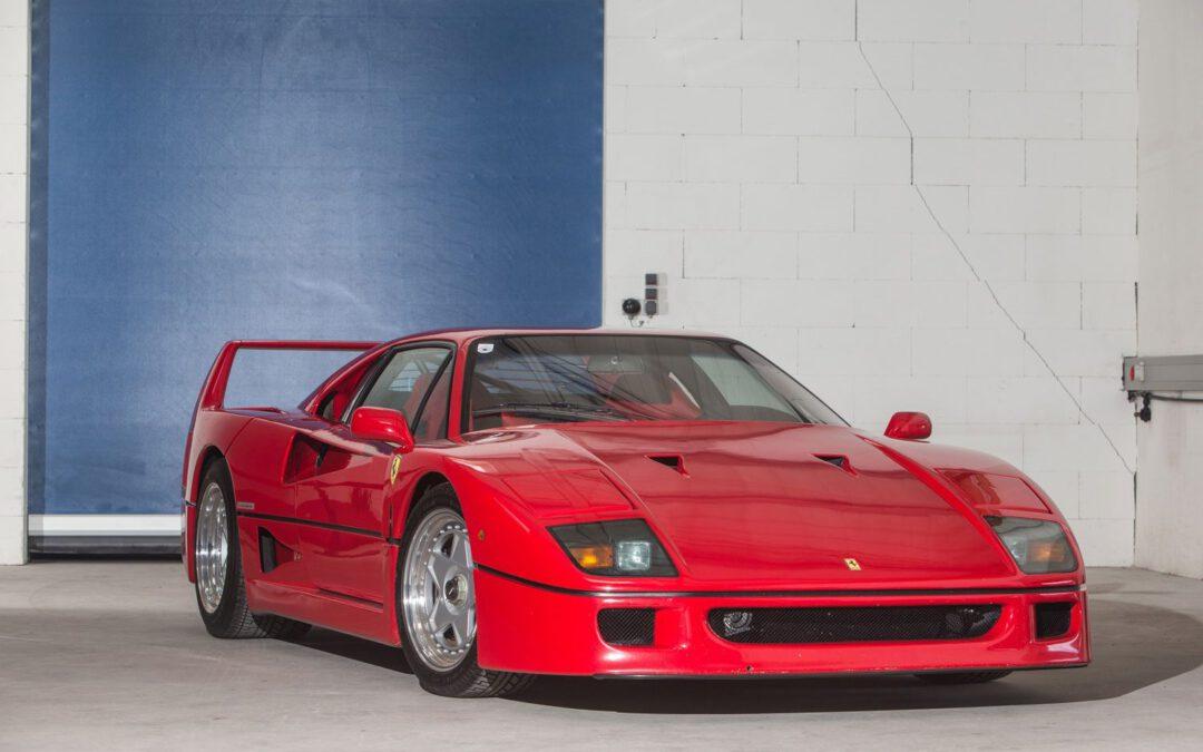 Video – Ferrari F40 krijgt een grondige poetsbeurt