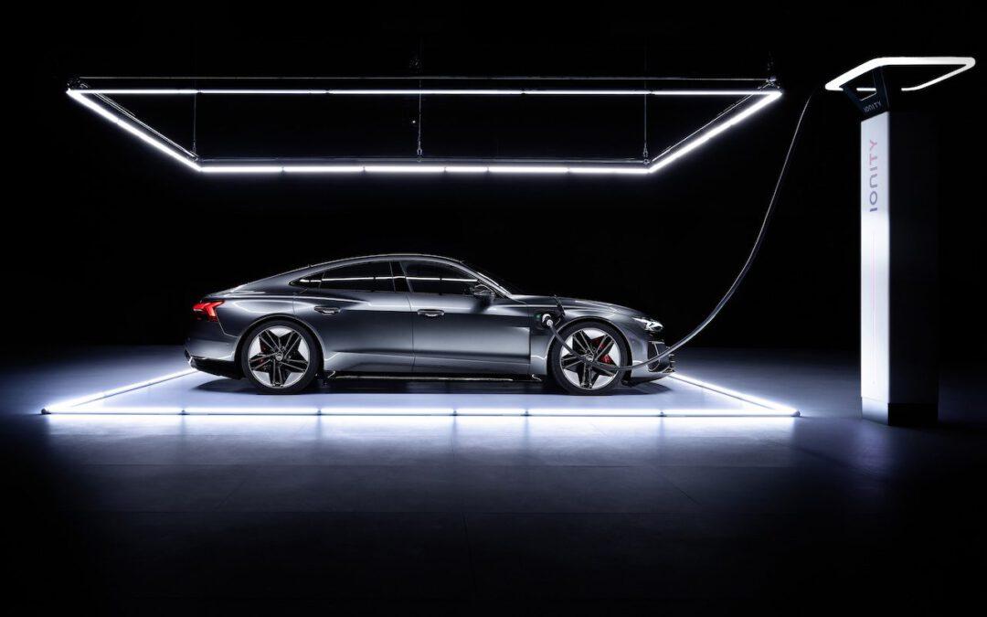 Video – Audi RS e-tron GT versus R8 V10 Plus, wie wint?