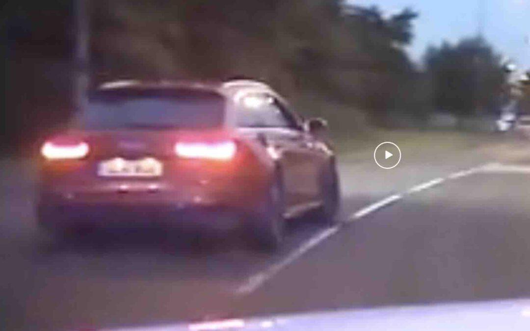 Video: Politie achtervolgt Audi RS6 met twee lekke banden